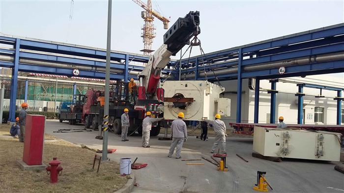 设备吊装过程中大型吊装设备与小型吊装设备的应用