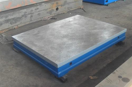为什么金属型铸造钢铁铆焊平台铸件时不宜使用金属芯?