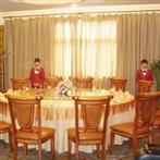 酒店餐桌安装