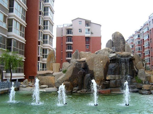 假山喷水池图片