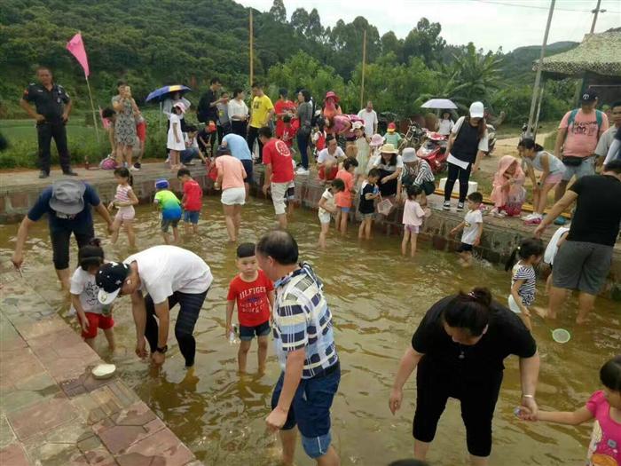 深圳农家乐泥巴园农场捕鱼达人比赛