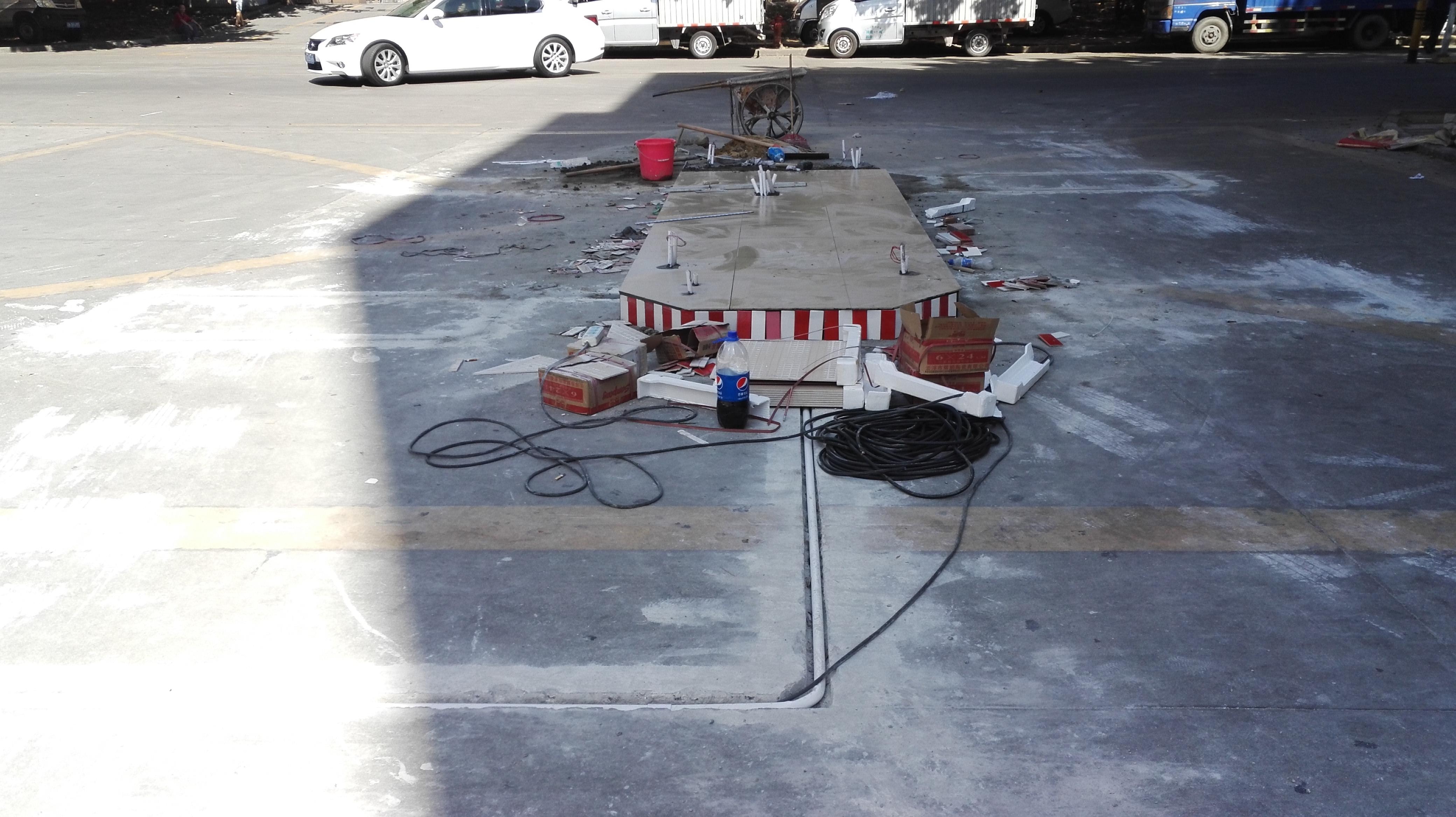 侨鸿盛安全岛施工与停车场系统安装