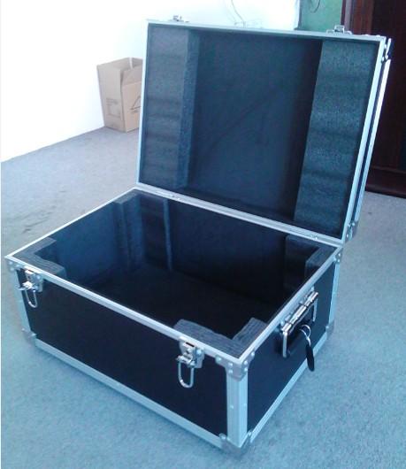 铝合金箱包