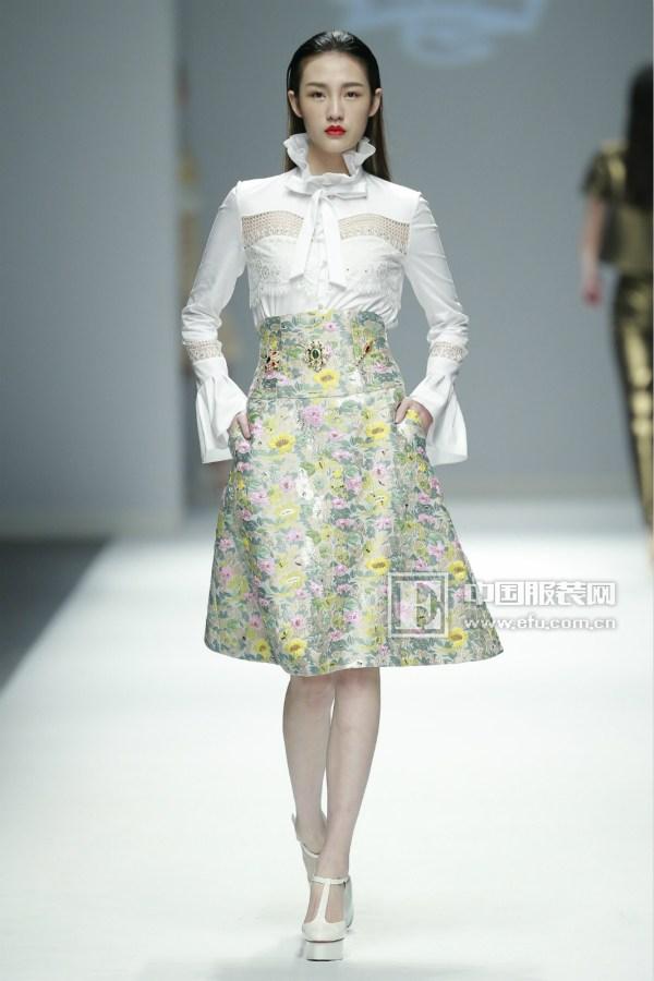 时尚休闲女装