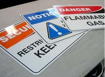 pvc警告标牌