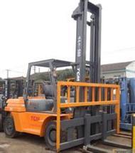 叉车租赁出租搬运各种工厂设备卸车