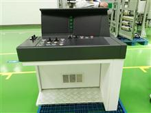 高(地)铁机车头司机室操纵平台产品