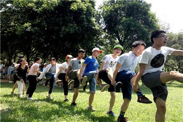 深圳农家乐一日游趣味游戏神龙摆尾